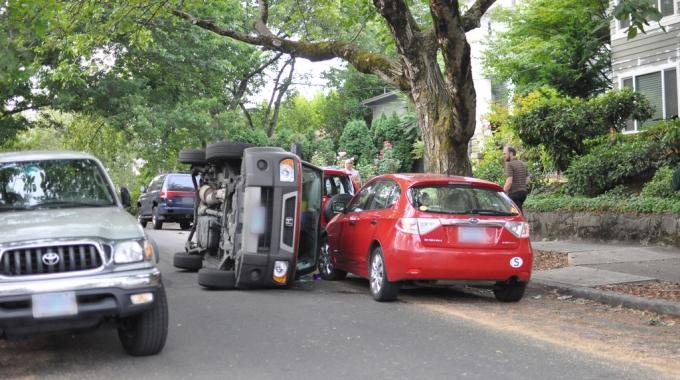 汽車任意險